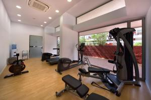 The fitness center and/or fitness facilities at Apartamentos Llobet