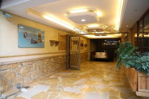 The lobby or reception area at Viccini Suites