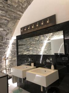 A bathroom at Villa Bianca