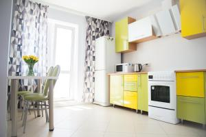 A kitchen or kitchenette at VIP Minsk Apartment, 2 rooms for 4 guests