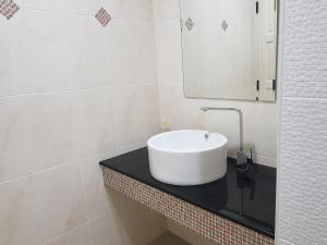A bathroom at Mountain Seaview Luxury Apartments