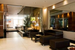 The lobby or reception area at Recoleta Apartments