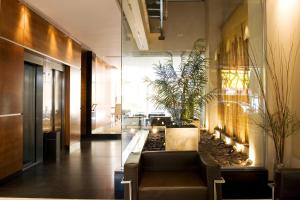 A restaurant or other place to eat at Recoleta Apartments