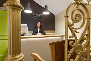 Lobi ili recepcija u objektu SuperB Luxury Suites