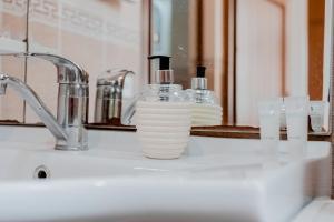 Ванная комната в Central Flower Apartment