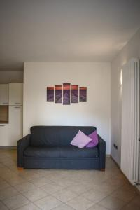 A seating area at Appartamenti Righi