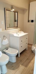 A bathroom at Apartments Suzy