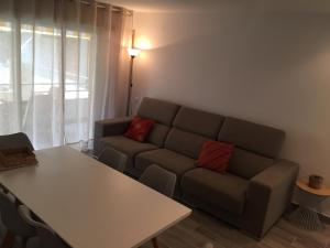 A seating area at Apartaments Colibri