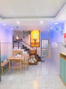 Restoranas ar kita vieta pavalgyti apgyvendinimo įstaigoje Hidden house in center of Sai Gon