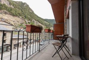 Un balcón o terraza de Apartaments Sant Moritz