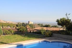 Vista de la piscina de CHALET o d'una piscina que hi ha a prop