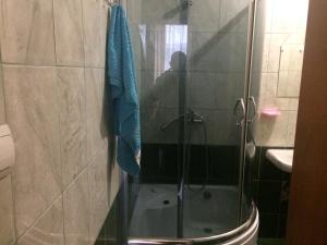 Ванна кімната в Центрова квартира №2 біля пошти з усіма зручностями