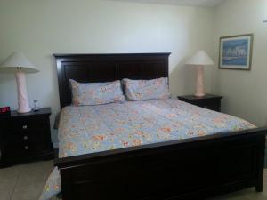 Un ou plusieurs lits dans un hébergement de l'établissement Fly High and Come to Falcon House in Kissimmee