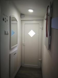 Ein Badezimmer in der Unterkunft New house near the city centre Pula