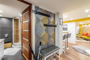 Łazienka w obiekcie Diamond Residence - Holy King Apartment