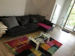 A seating area at Cityflair Apartments