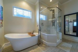 A bathroom at The Endless Summer Retreat