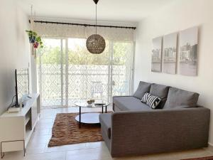 6-Perfect Modern Apt in Great Location POOL/GYM/BBQ