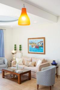 A seating area at Thalassa Apartments