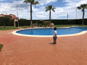 2 Bedroom 1 Bathroom Large Apartment with POOL