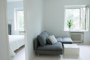 Ein Sitzbereich in der Unterkunft Modern and compact apartment in Helsinki city