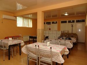 Ресторан / где поесть в Гостевой дом Камилла