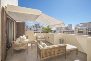 A balcony or terrace at Bahia De la Plata, Spain-Estepona
