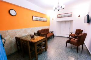 A seating area at Apt. Escorial in Plaza Vieja