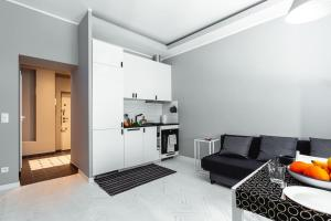Küche/Küchenzeile in der Unterkunft Elegant Apartment - Prestigious Neighbourhood - Netflix