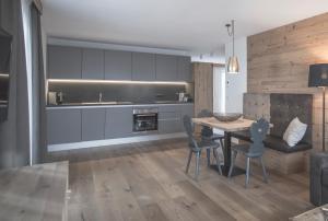 Kuchyň nebo kuchyňský kout v ubytování Ahrner Wirt Apartments