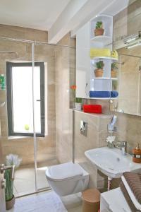 A bathroom at Apartment FUNNY