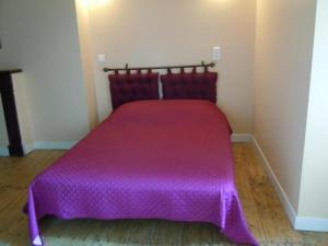 Un ou plusieurs lits dans un hébergement de l'établissement House Saint-martin-labouval - 6 pers, 100 m2, 4/3 1