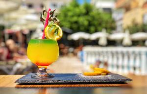 Drinks at HMA Hotel & Suites