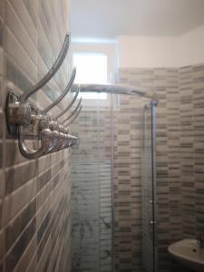 A bathroom at Pia Apartment
