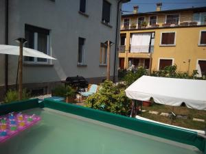 A view of the pool at Residenze con giardino or nearby