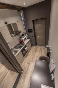 尼爾多莫11號套房公寓廚房或簡易廚房