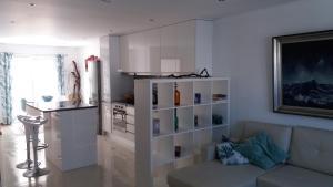 A kitchen or kitchenette at Appartement Espinho