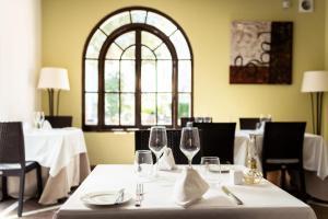 Restaurant o un lloc per menjar a Ona Alanda Club Marbella