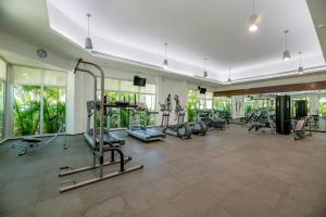The fitness center and/or fitness facilities at Mareazul Beach Family CondoHotel - Playa del Carmen