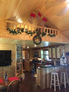 A cozinha ou kitchenette de Reindeer Ranch At Round Top
