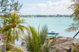 The Bay Resort , Grand Bay