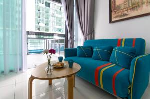 2BR Marina Cove, WiFi + Parking + Pool Level