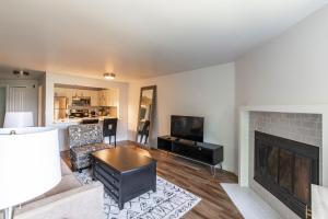 O zonă de relaxare la SoBe Westlake 30 Day Rentals