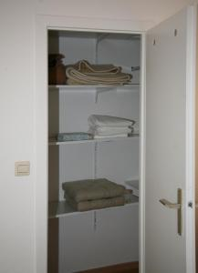 A bunk bed or bunk beds in a room at Oase im Park
