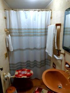 Salle de bains dans l'établissement Chalé Luar da Montanha