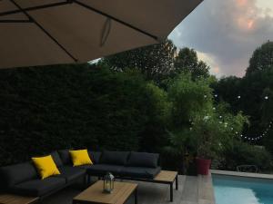 Villa Maison à Ecully très proche de Lyon avec Piscine et beau ...