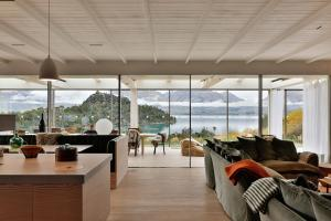 Bob's Cove Luxury Retreat by Touch of Spice