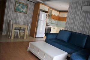 A seating area at Bypegasus Smart Flats