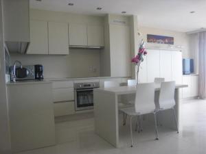Küche/Küchenzeile in der Unterkunft Golden Trust Apartments