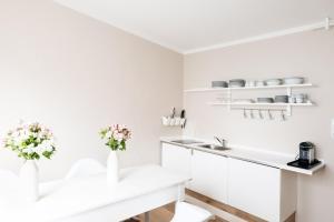 Küche/Küchenzeile in der Unterkunft Köhlz Fewo & Restaurant